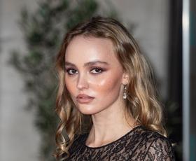 Poglejte, kdo je novi fant Lily-Rose Depp! Tukaj je vse, kar vemo