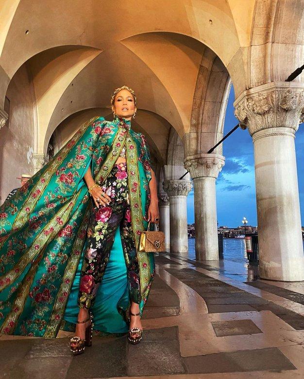 Osupljiva modna revija Alta Moda Dolce & Gabbana v Benetkah se je ponašala s strelami in mavrico - Foto: Instagram