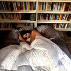 """""""S fantom spiva v ločenih spalnicah in takšno je zato najino razmerje"""" (izpoved 25-letne novinarke)"""