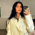 Kylie Jenner v javnosti prvič po razkritju nosečnosti kar v treh seksi stajlingih, oglejte si jih tukaj