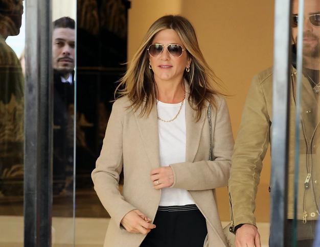 To je torbica, od katere se Jennifer Aniston nikoli ne loči - Foto: Profimedia