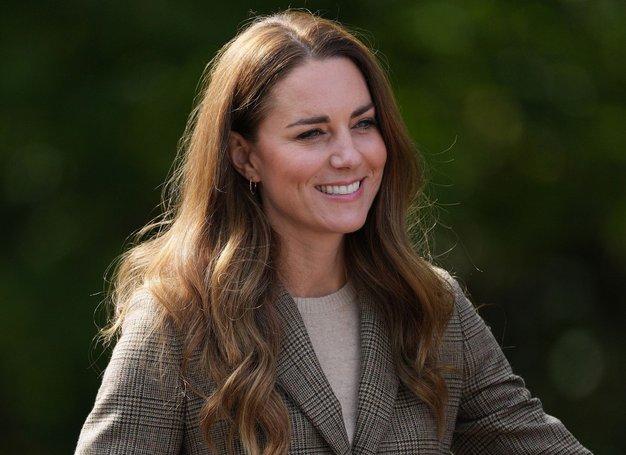 Ta teden se je Kate Middleton odpravila na obisk v Cumbrijo, kjer je promovirala blagodejni, vseživljenjski vpliv, ki ga ima …