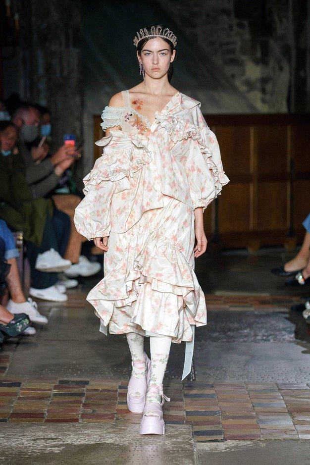 Poglejte najlepše kreacije z modnega tedna v Londonu - Foto: Profimedia