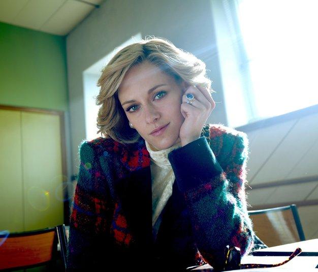 Kristen Stewart z novo podobo in britanskim naglasom v vlogi princese Diane popolnoma neprepoznavna! Oglejte si napovednik novega filma - Foto: Profimedia