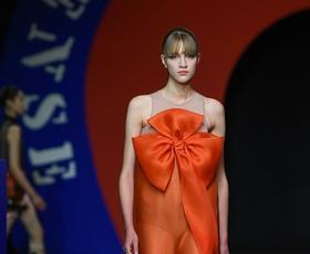 Dior je navdušil! Poglejte si najlepše kreacije z njihove zadnje modne revije
