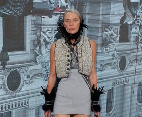 Moški bodo nosili pete? Vivienne Westwood je navdušila z novo kolekcijo.