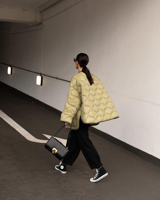 To je najbolje prodajana jakna v H&M ta hip, ki jo obožujejo vsa modna dekleta - Foto: Instagram