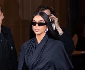 Kim Kardashian nosila najbolj vpadljiv teddy plašč te sezone
