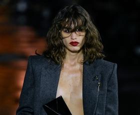 7 načinov, kako kavbojke in džins kose nositi šik in zapeljivo, kot smo videli na modnih revijah