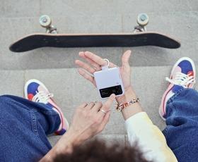 Preklopni telefoni so odličen sopotnik za potovanja in prosti čas