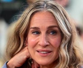Nov moški, nov videz: Carrie Bradshaw, kot je še nismo videli: je to njen »lockdown videz«?