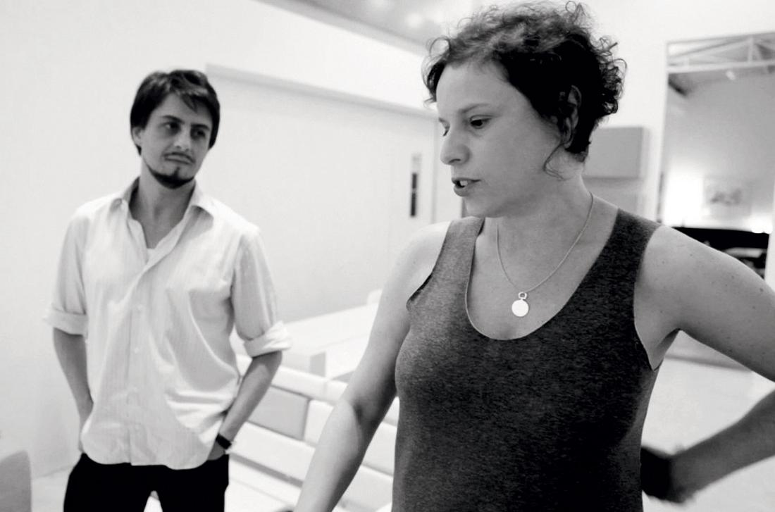Ovo - Luciana Martins in Gerson De Oliveira